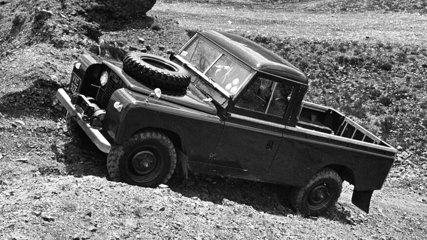 Dong xe Land Rover Defender thay doi ra sao sau hon 70 nam anh 10