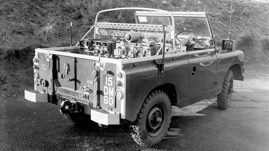 Dong xe Land Rover Defender thay doi ra sao sau hon 70 nam anh 9