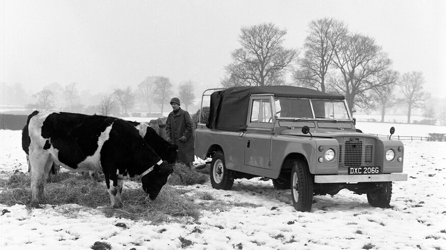Dong xe Land Rover Defender thay doi ra sao sau hon 70 nam anh 8