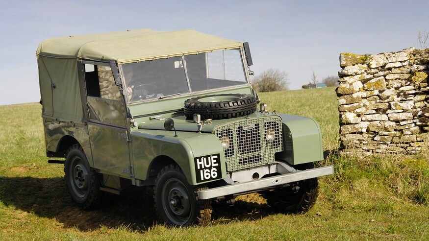 Dong xe Land Rover Defender thay doi ra sao sau hon 70 nam anh 1