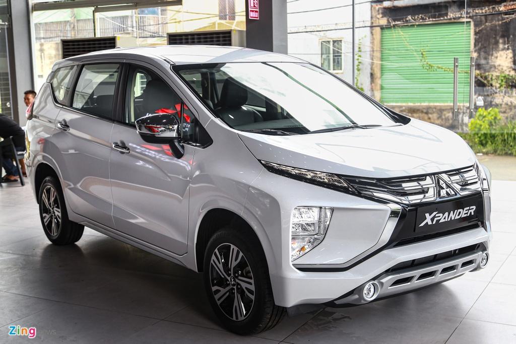 Mitsubishi Xpander bo xa Toyota Innova trong thang 10 anh 2