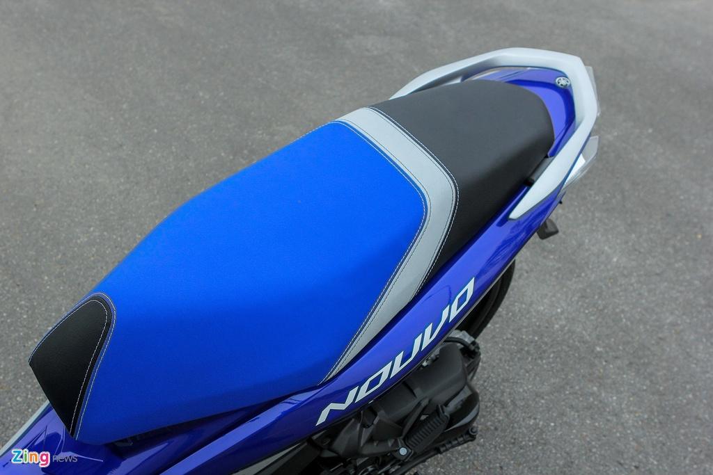 Can canh Yamaha Nouvo GP 2016 voi bo tem moi hinh anh 6 Yên xe của Nouvo GP 2016 được phối lại màu sơn, sử dụng tông màu xanh thay cho màu xám. Màu sắc này hợp với tổng thể của chiếc xe.