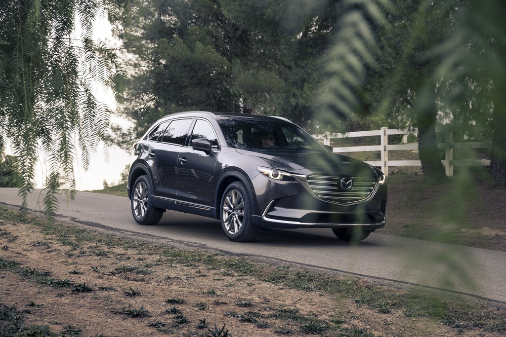 Mazda CX-9 2017 co gia hon 31.000 USD hinh anh 1