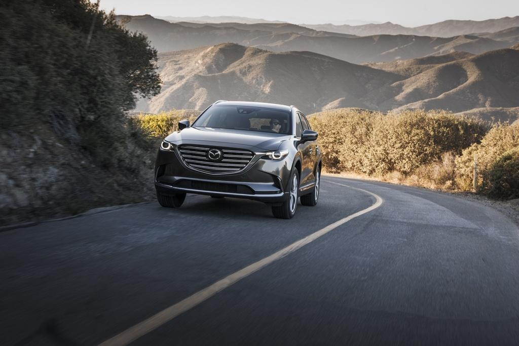 Mazda CX-9 2017 co gia hon 31.000 USD hinh anh 2