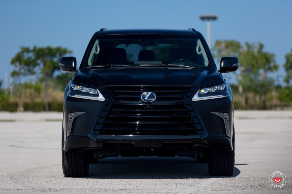 Lexus LX570 2016 den mo ham ho do la-zang hinh anh 3
