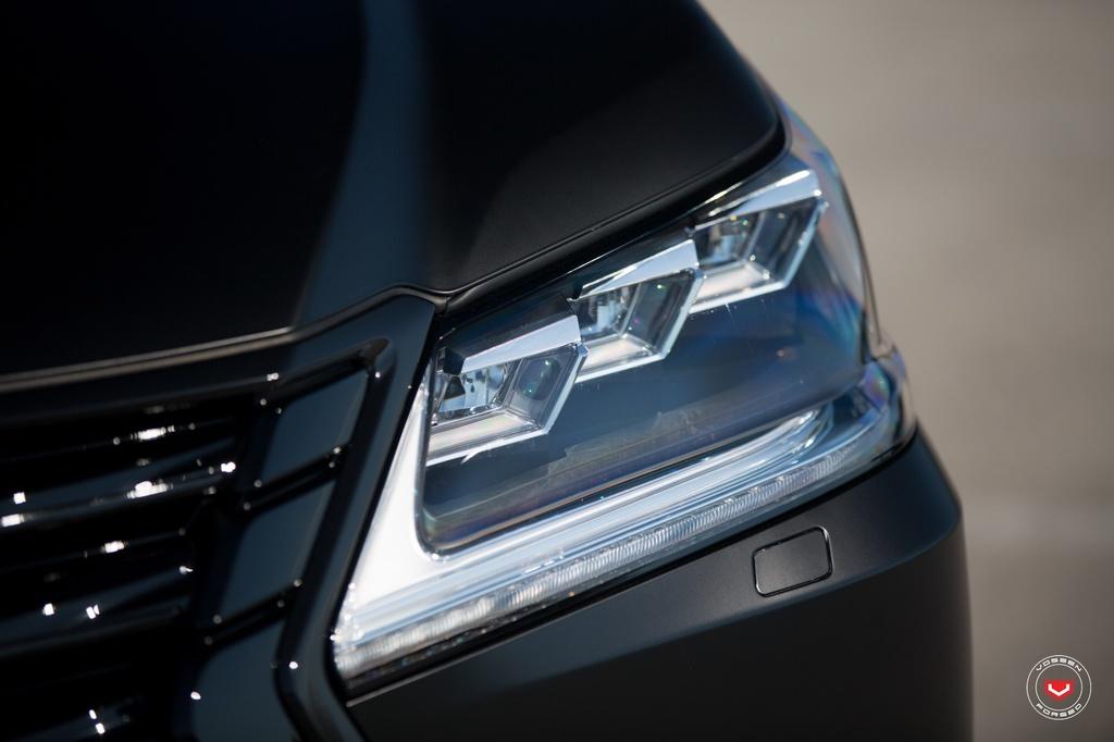 Lexus LX570 2016 den mo ham ho do la-zang hinh anh 5
