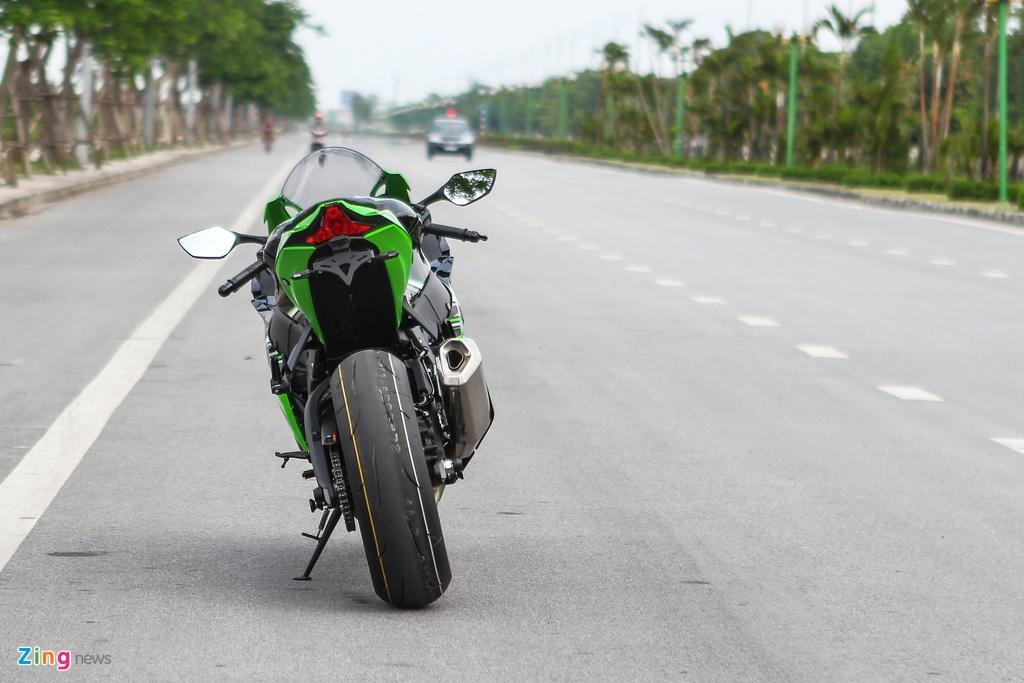 Kawasaki ZX-10R 2016 dau tien tai Ha Noi gia hon 500 trieu hinh anh 5