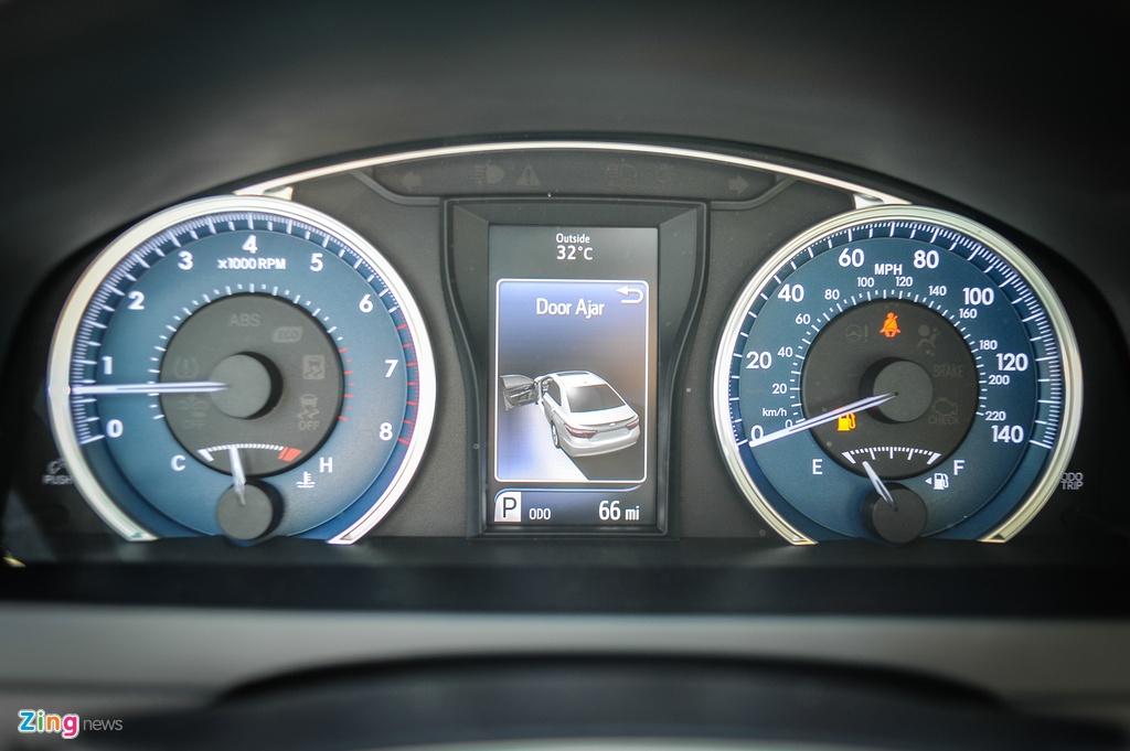 Toyota Camry XLE ban My gia gan 2 ty tai Ha Noi hinh anh 9