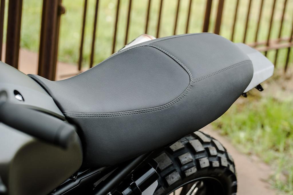Yamaha XSR900 do phong cach chien binh duong pho hinh anh 3
