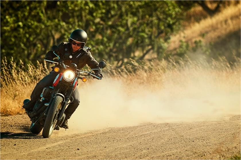 Yamaha SCR950 doi thu Ducati Scrambler anh 5