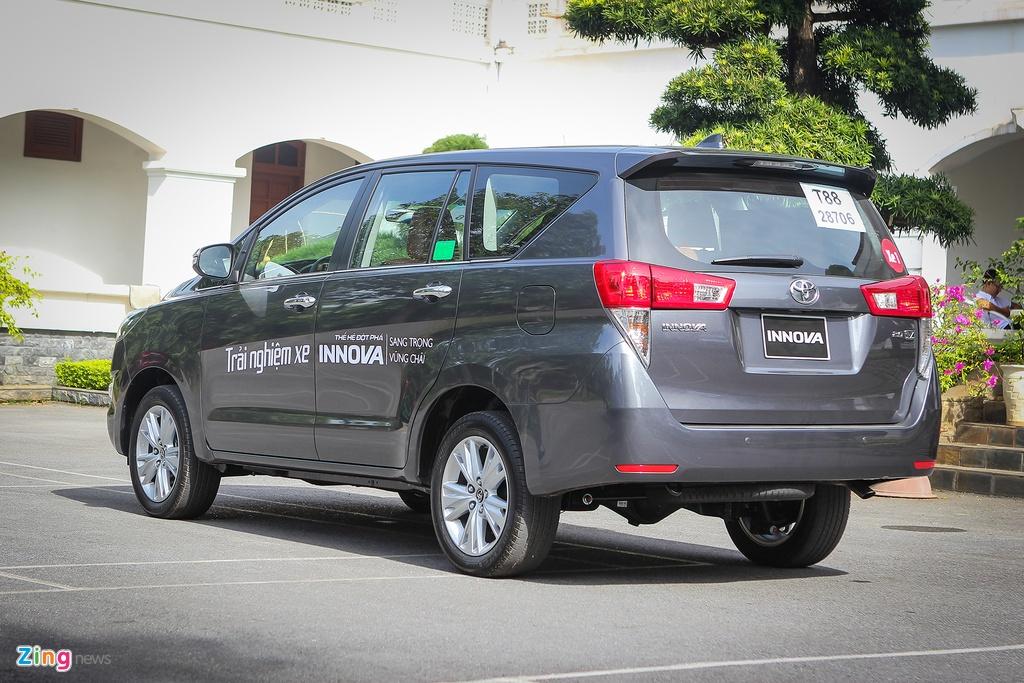 Anh thuc te Toyota Innova 2.0V 2016 gia gan 1 ty dong hinh anh 13