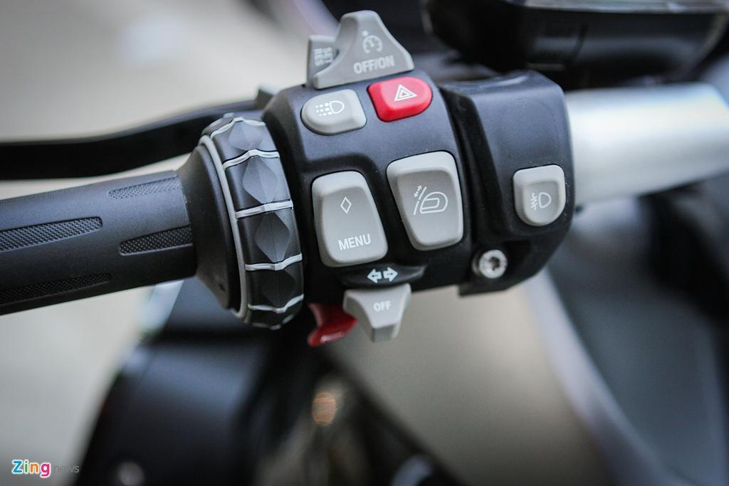 Moto duong truong BMW 1.650 phan khoi ve Ha Noi hinh anh 4