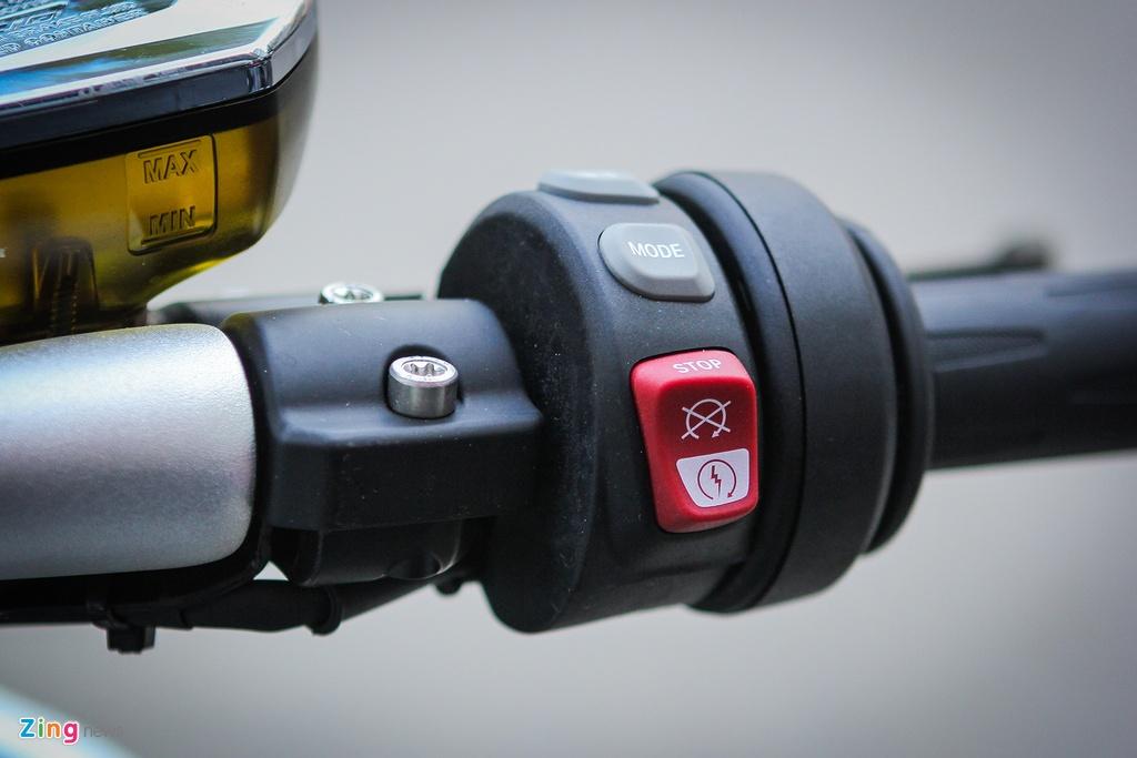 Moto duong truong BMW 1.650 phan khoi ve Ha Noi hinh anh 5