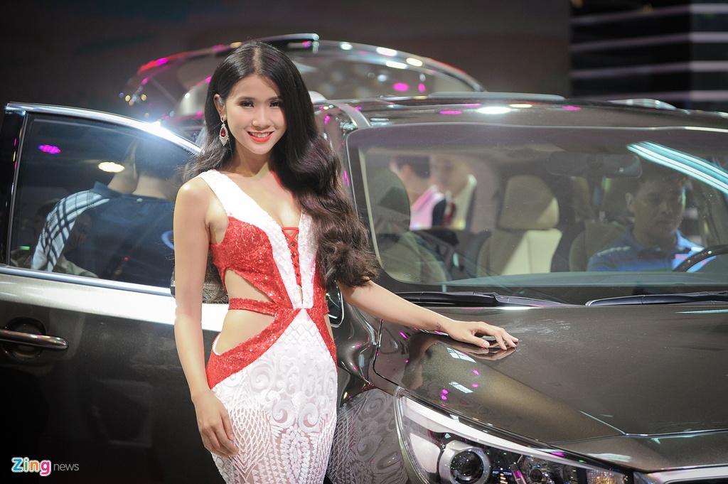 Dan chan dai tai Vietnam Motor Show 2016 hinh anh 4