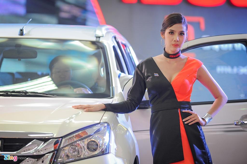 Dan chan dai tai Vietnam Motor Show 2016 hinh anh 3