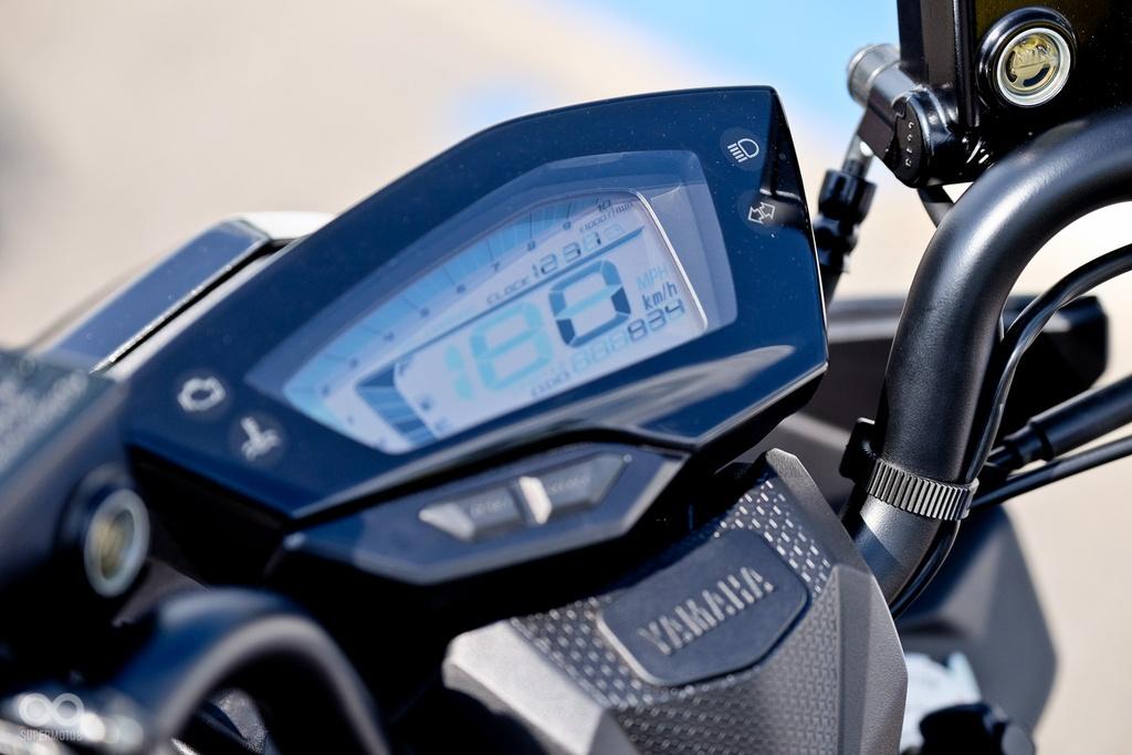 xe tay ga Yamaha Force 2017 ra mat anh 6