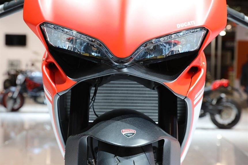 Ducati gioi thieu sieu moto 1299 Superleggera 215 ma luc hinh anh 4