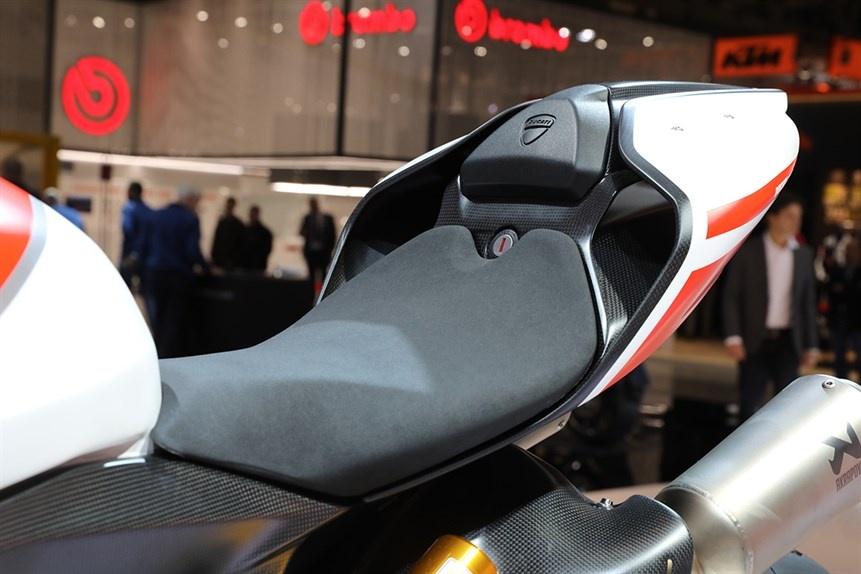 Ducati gioi thieu sieu moto 1299 Superleggera 215 ma luc hinh anh 7