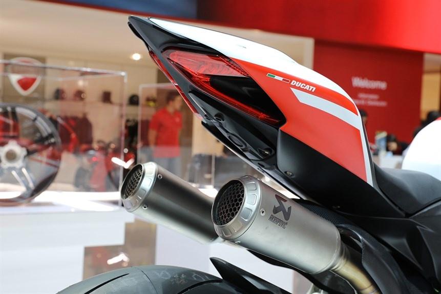 Ducati gioi thieu sieu moto 1299 Superleggera 215 ma luc hinh anh 9