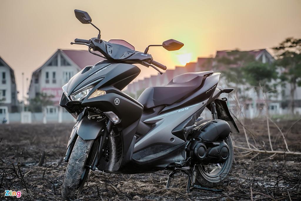 Yamaha NVX dac biet mau den mo moi ban tai Viet Nam hinh anh 13