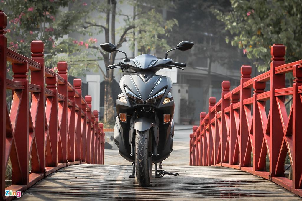 Yamaha NVX dac biet mau den mo moi ban tai Viet Nam hinh anh 12