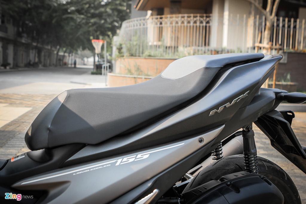 Yamaha NVX dac biet mau den mo moi ban tai Viet Nam hinh anh 11