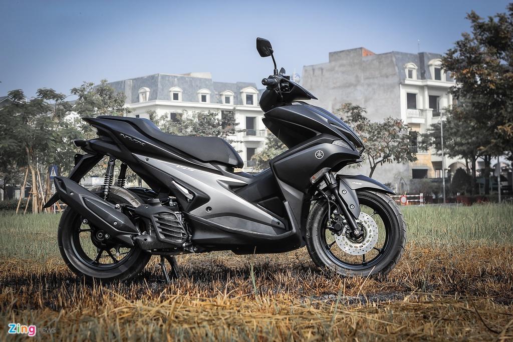 Yamaha NVX dac biet mau den mo moi ban tai Viet Nam hinh anh 3
