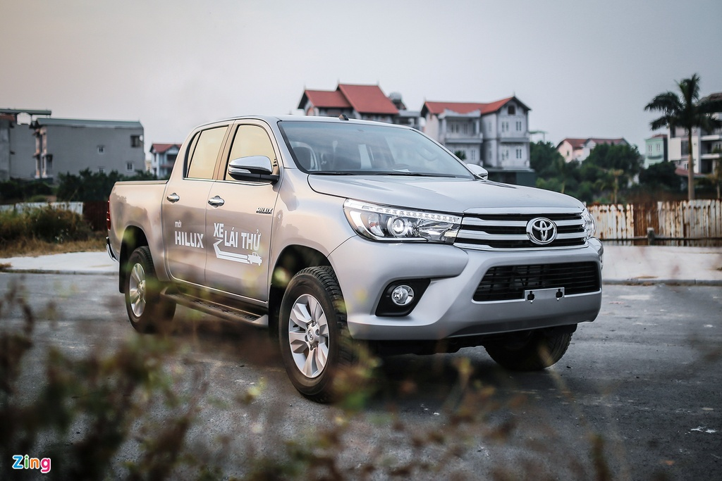 Anh Toyota Hilux 2.8G 2016 gia 870 trieu dong hinh anh 13