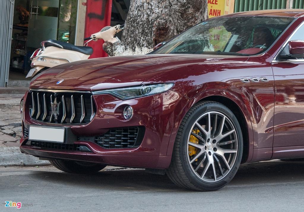 Maserati Levante mau la gia hon 5 ty lan banh tai Ha Noi hinh anh 6