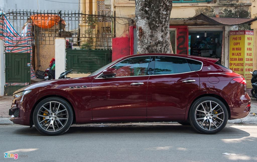 Maserati Levante mau la gia hon 5 ty lan banh tai Ha Noi hinh anh 2