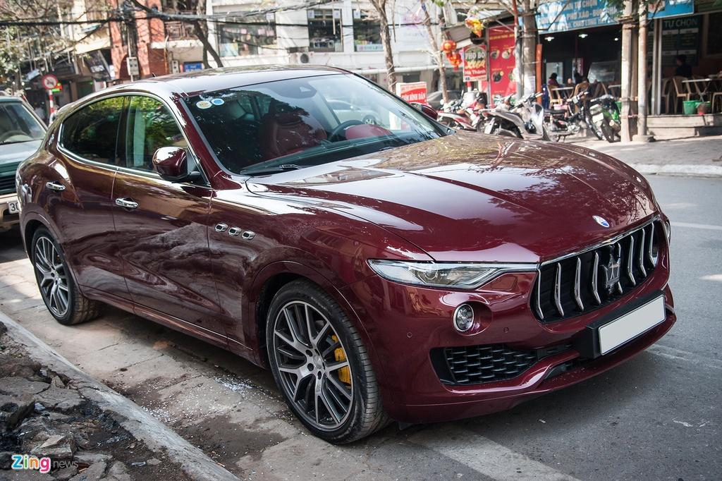 Maserati Levante mau la gia hon 5 ty lan banh tai Ha Noi hinh anh 4
