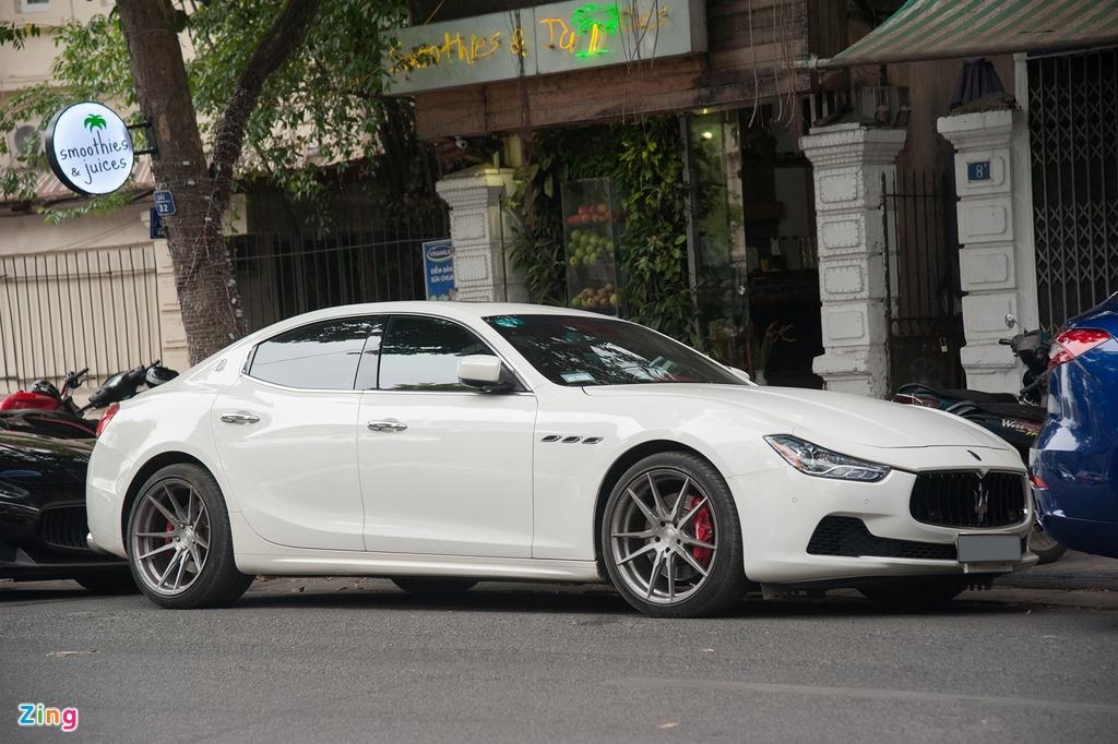 Dai gia Ha Noi khoe dan xe Maserati dip cuoi tuan hinh anh 5