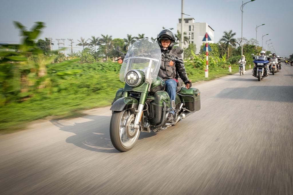 Biker Viet chay Harley-Davidson tu Sai Gon ra Ha Noi anh 3