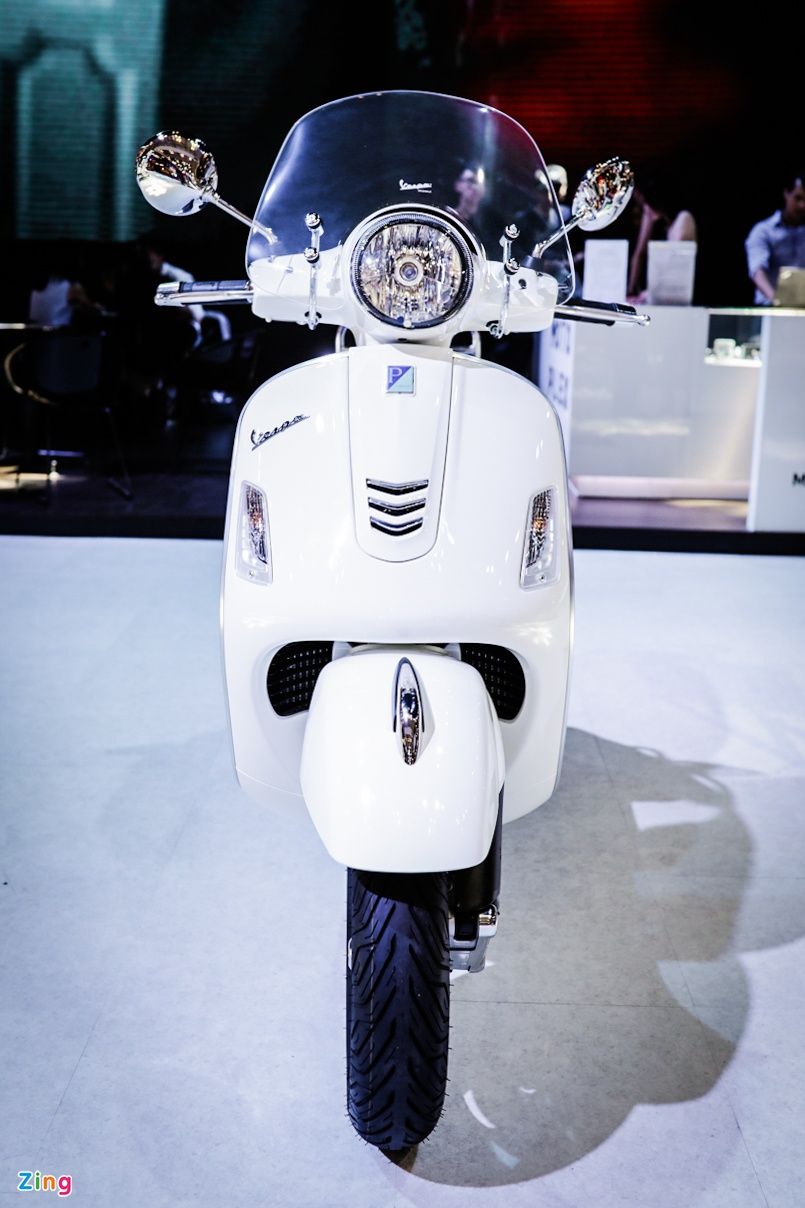 Vespa GTS 300 ABS trinh lang, chua co gia ban tai Viet Nam hinh anh 3