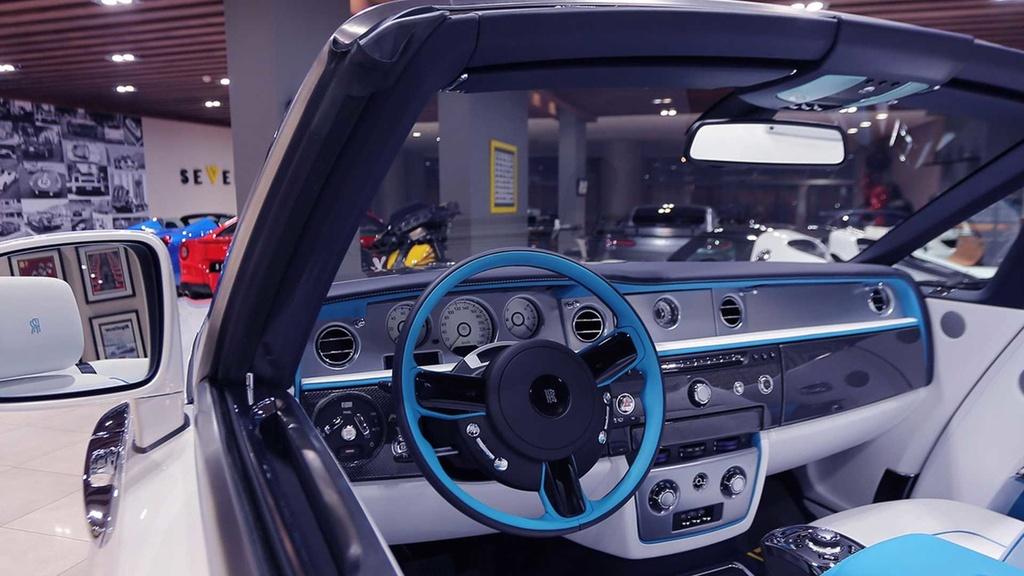 Rolls-Royce Phantom mui tran cuoi cung ra mat tai A-rap hinh anh 6