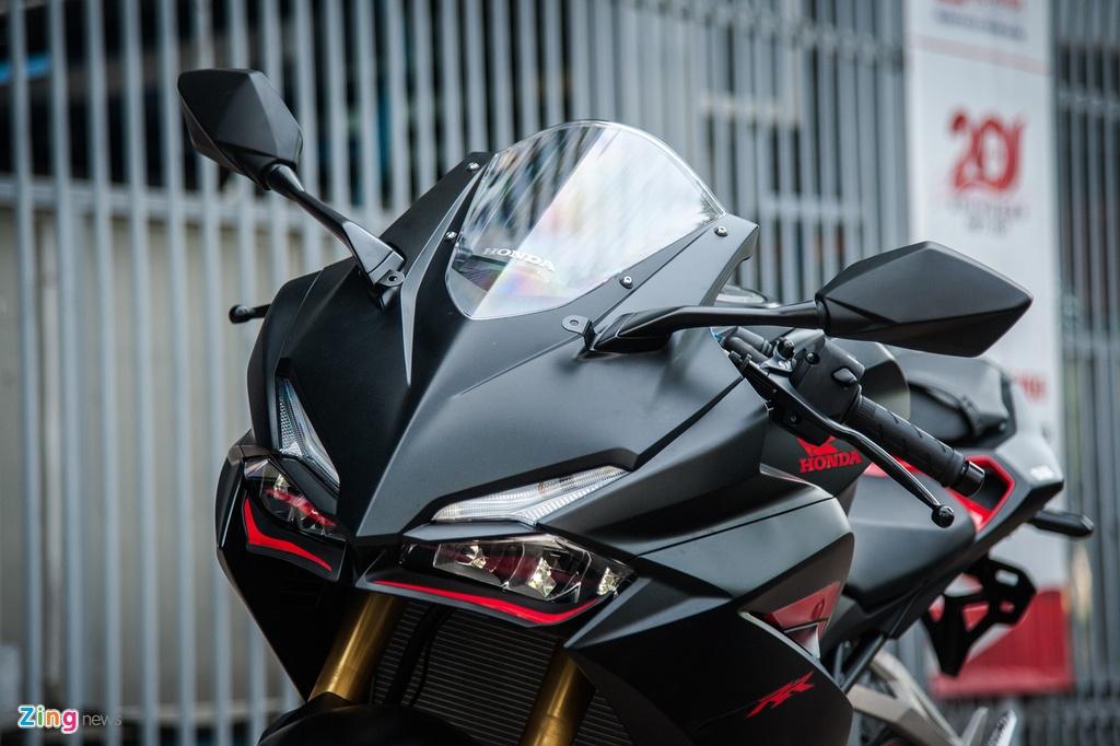 Honda CBR250RR 2017 gia hon 200 trieu dau tien tai Ha Noi hinh anh 3