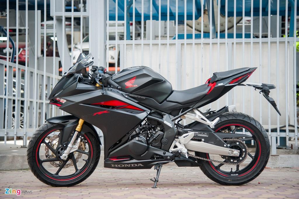 Honda CBR250RR 2017 gia hon 200 trieu dau tien tai Ha Noi hinh anh 2
