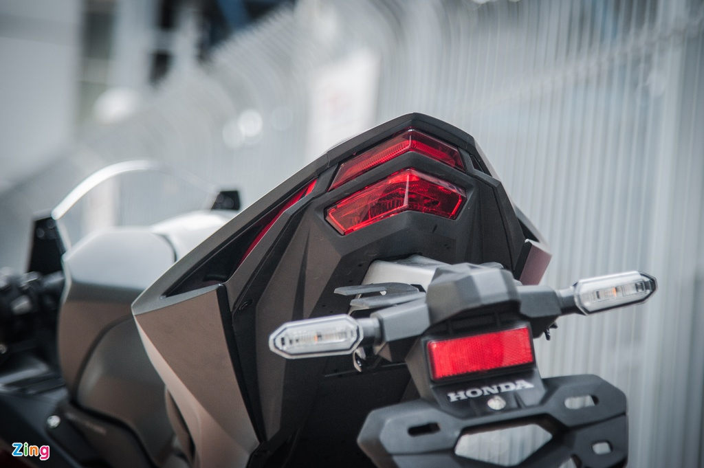 Honda CBR250RR 2017 gia hon 200 trieu dau tien tai Ha Noi hinh anh 8
