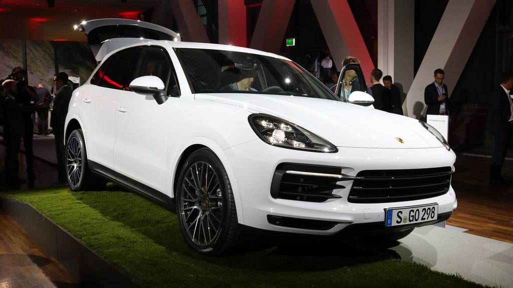 Porsche Cayenne 2018 trinh lang, gia tu 65.700 USD hinh anh 2