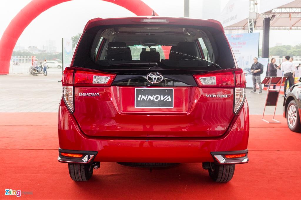 Toyota Innova Venturer moi gia 855 trieu tai Viet Nam hinh anh 5