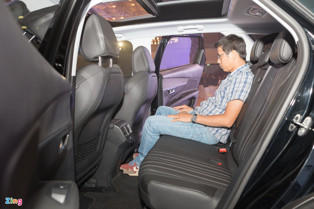 Peugeot 3008 moi canh tranh Mazda CX-5 tai Viet Nam hinh anh 12