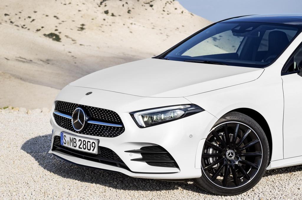 Mercedes-Benz A-Class 2018 thay doi dien mao, len ke thang 3 hinh anh 3
