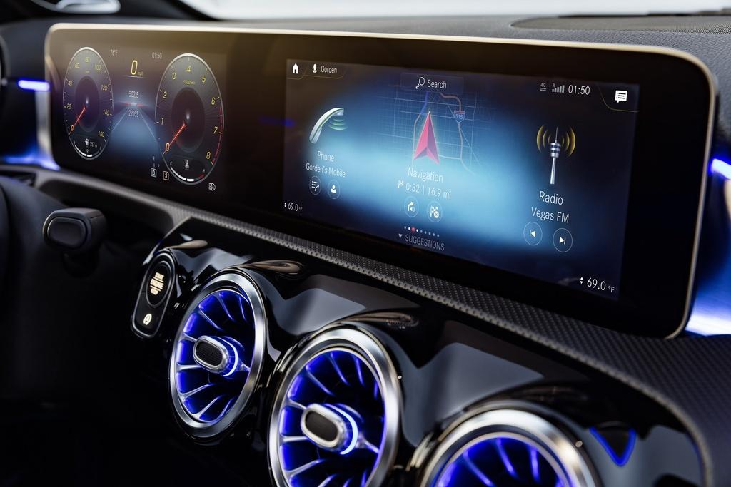 Mercedes-Benz A-Class 2018 thay doi dien mao, len ke thang 3 hinh anh 7