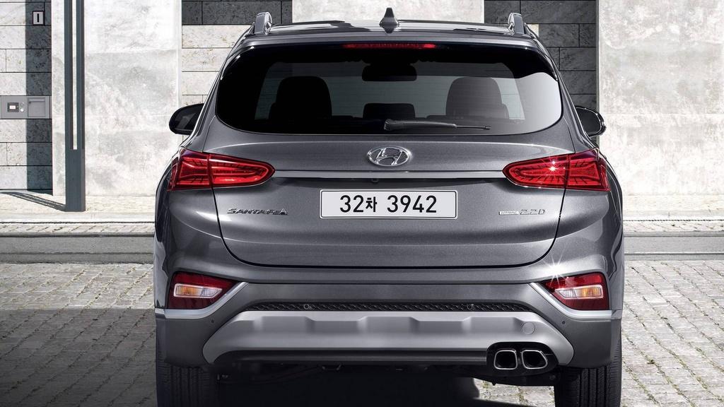 Hyundai Santa Fe 2019 lot xac hoan toan hinh anh 4
