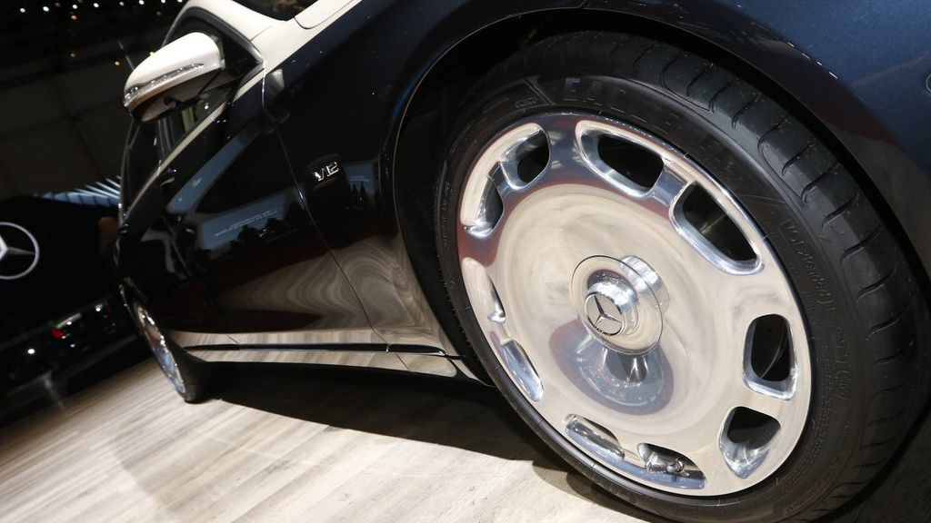 Mercedes-Benz S-Class Maybach 2019 noi bat tai trien lam Geneva hinh anh 3