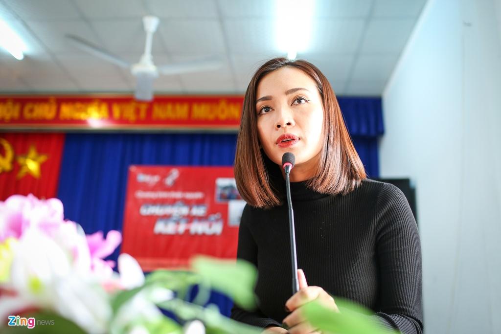Ai Phuong, Only C va Phuong Ly chung tay cung ba con vung bao Damrey hinh anh 2