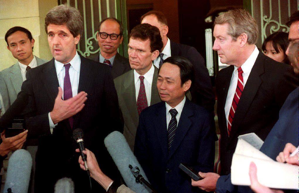 John Kerry va dinh menh mang ten Viet Nam hinh anh 3