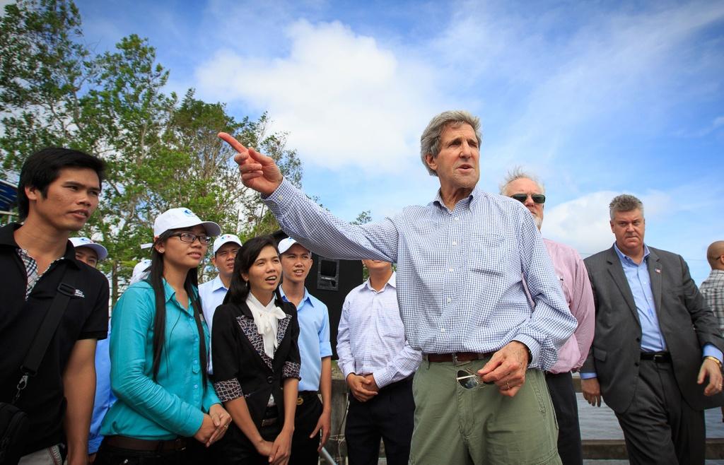 John Kerry va dinh menh mang ten Viet Nam hinh anh 1