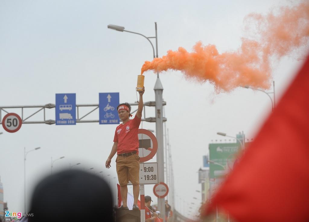 CDV Hai Phong dot phao sang 'bien Hang Day thanh San Siro' hinh anh 8