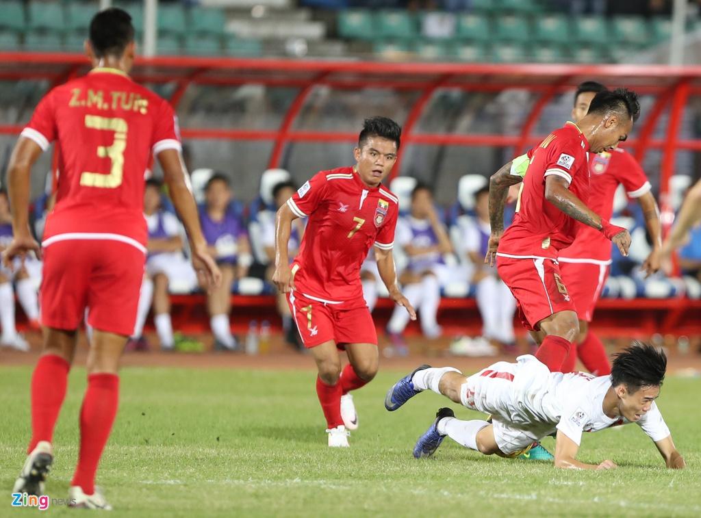 Cac pha choi xau cua Myanmar voi cau thu Viet Nam hinh anh 6